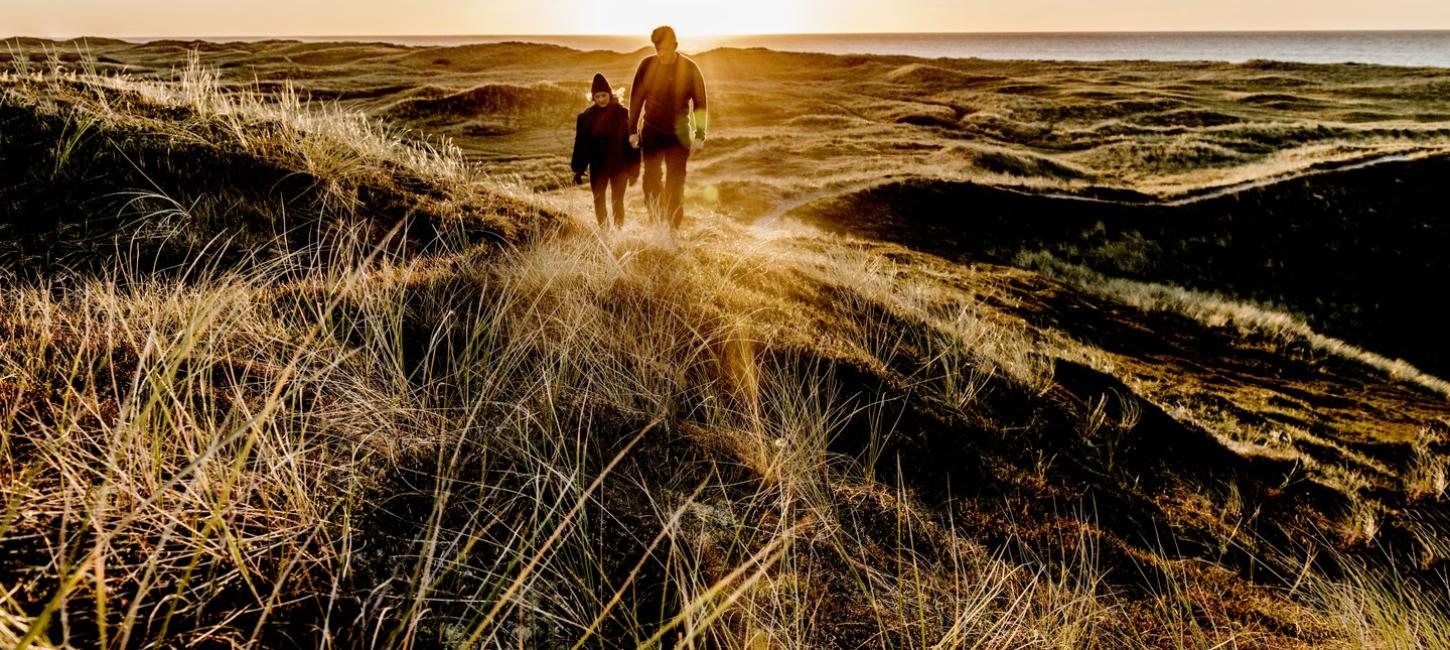 Campaign DE - Nordsee: Nordjylland - Couple hiking in Thy National Park